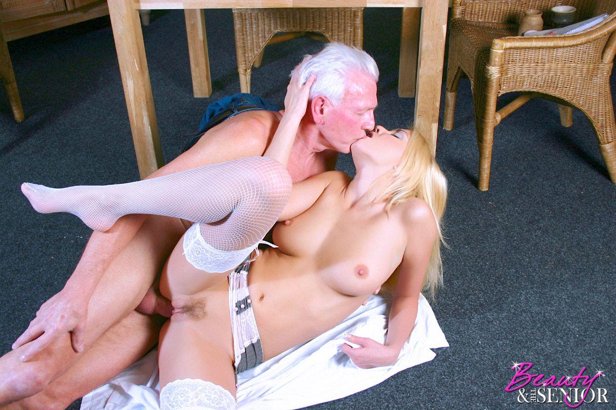 Hollywood naked girl scene photos